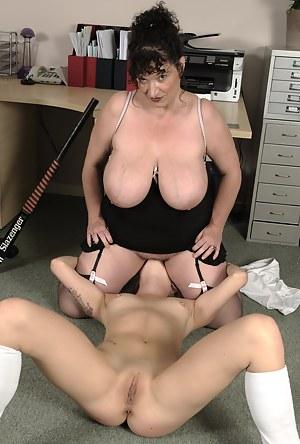 Big Boobs Facesitting Porn Pictures